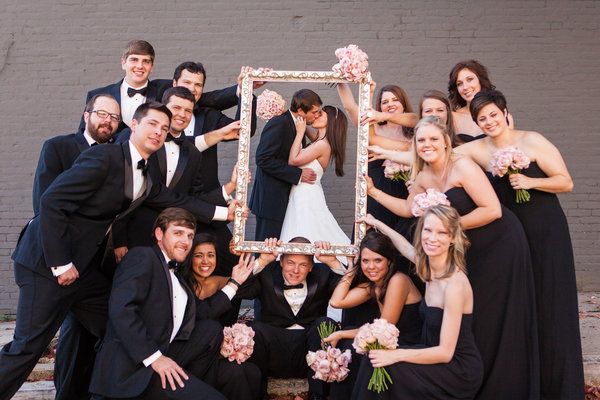 Ideas For A Fun Wedding: 18 Fun Wedding Photo Ideas To Steal