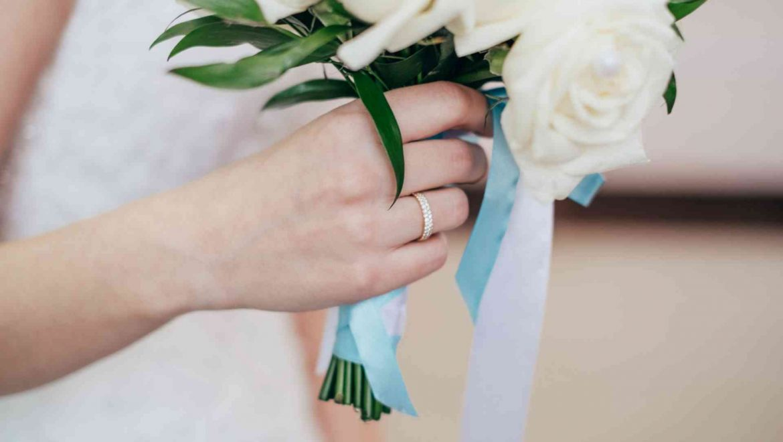 What jewellery should a bride wear?