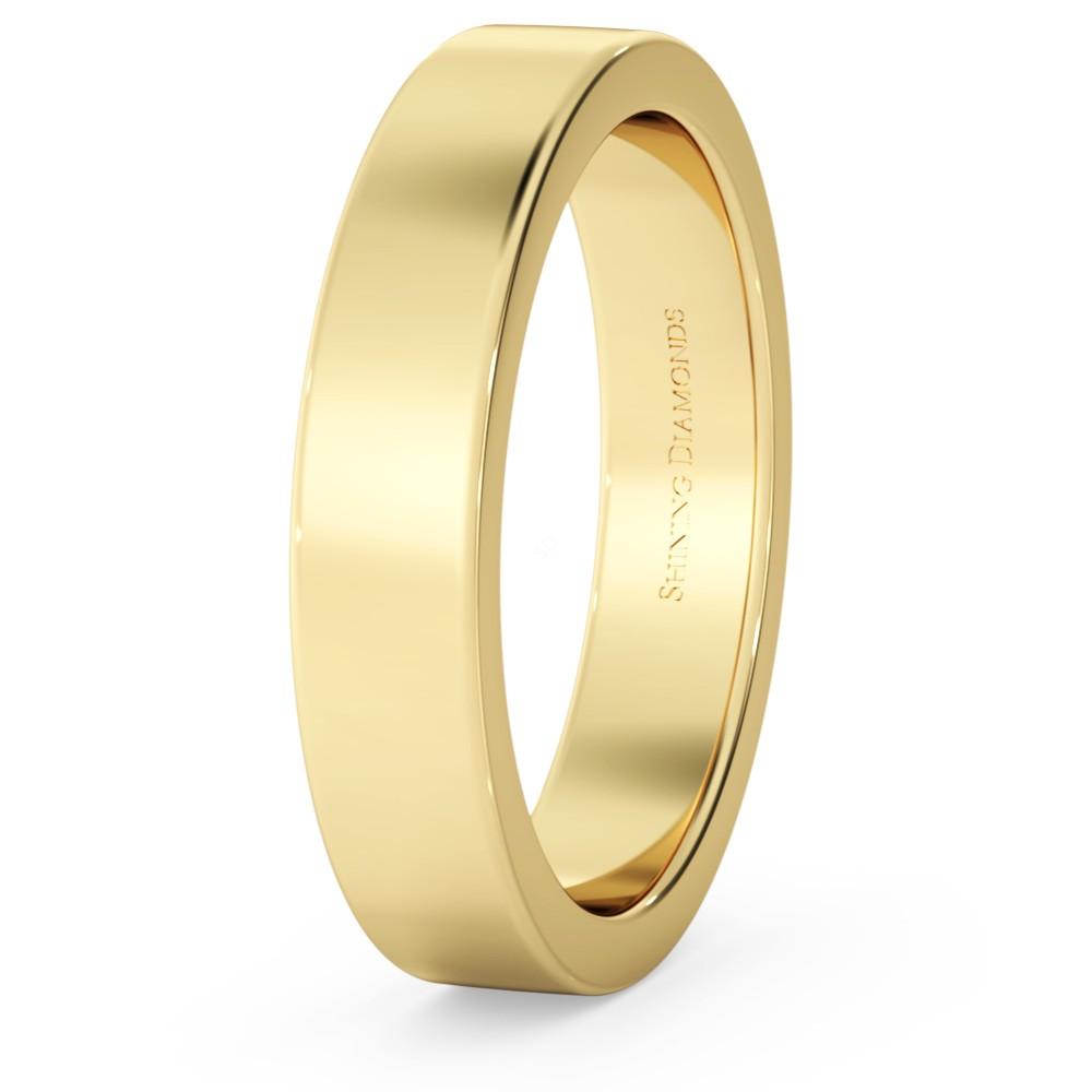 flat wedding ring in Yellow gold