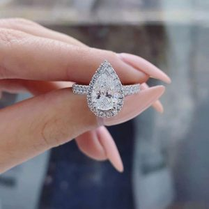 Ultimate guide to pear cut engagement rings