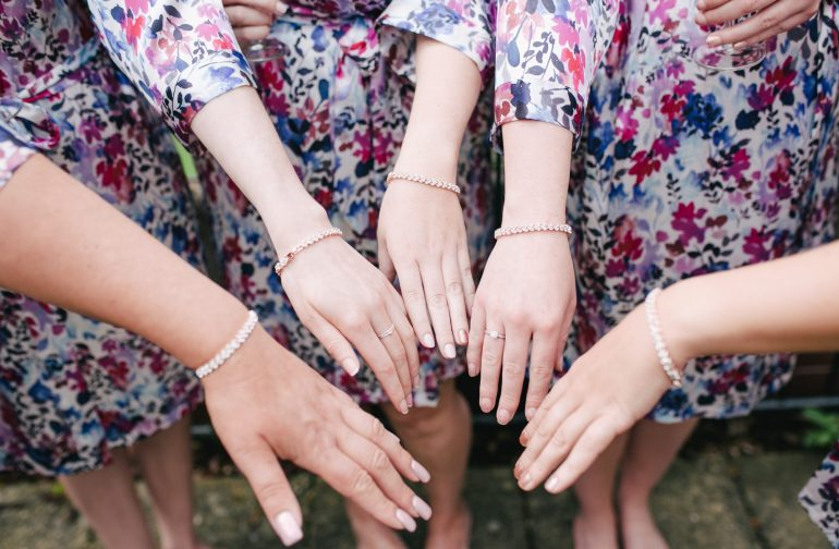 Guide to bridesmaid jewellery
