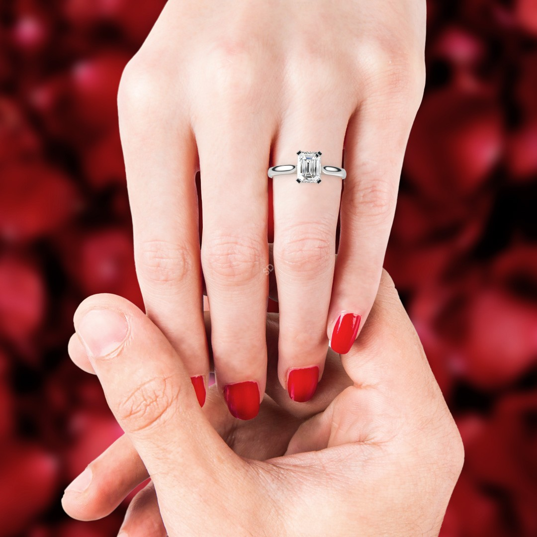 HRE484 4 Flat Claw Solitaire Diamond Ring   Shining Diamonds