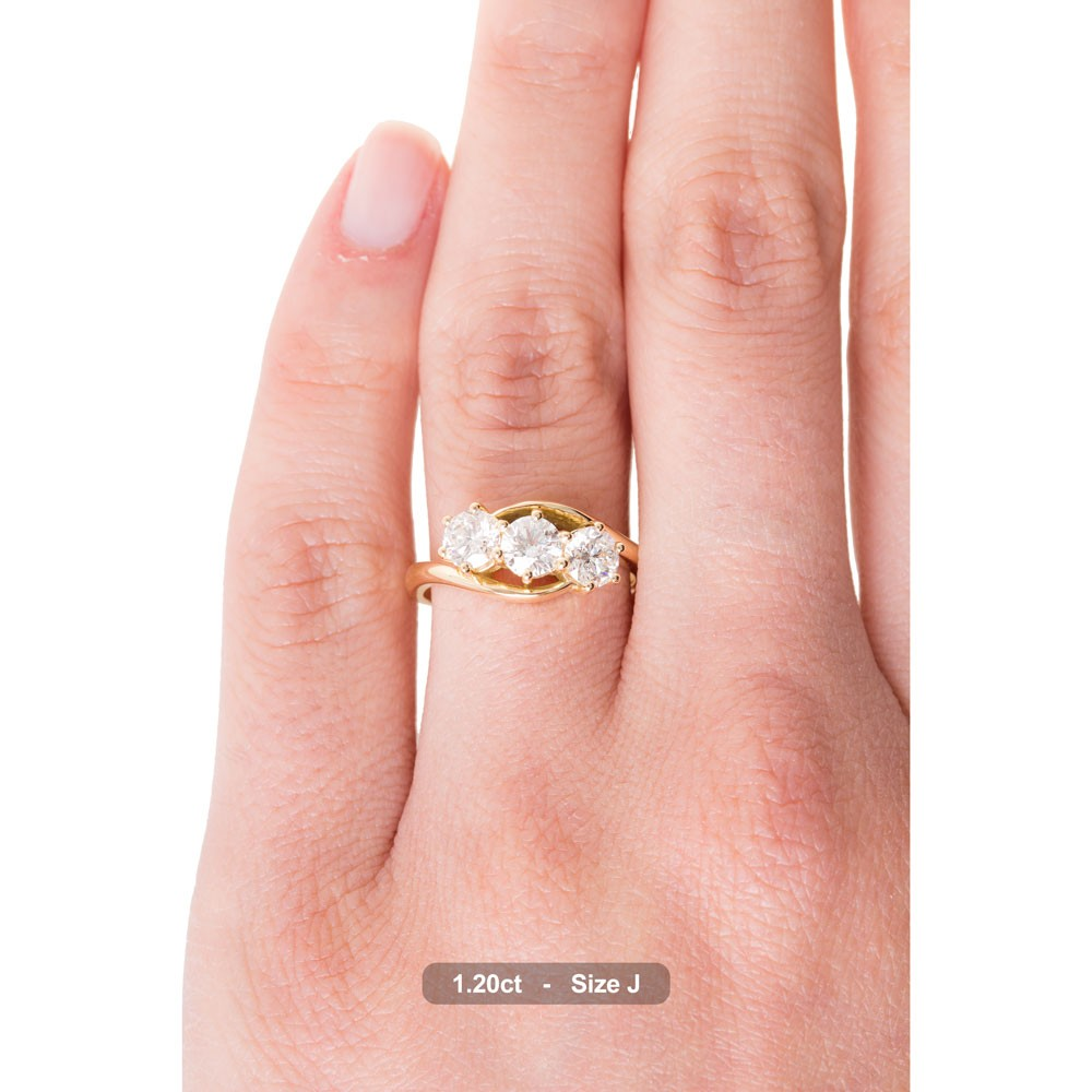 HRRTR106 3 Round Diamonds Trilogy Ring | Shining Diamonds