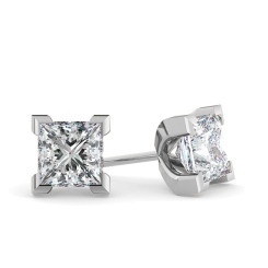 HEP32 Princess Diamond Stud Earrings - white