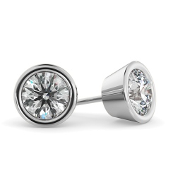 HER33 Round Diamond Stud Earrings - white