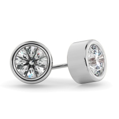 HER37 Round Diamond Stud Earrings - white