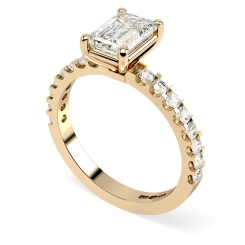 HRXSD650 Emerald Shoulder Diamond Ring - rose